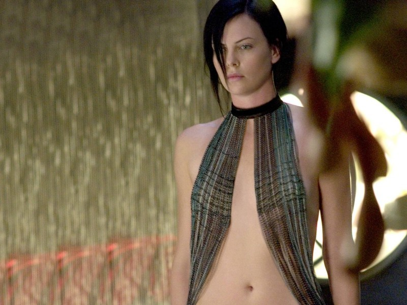 Charlize Theron ve filmu Aeon Flux