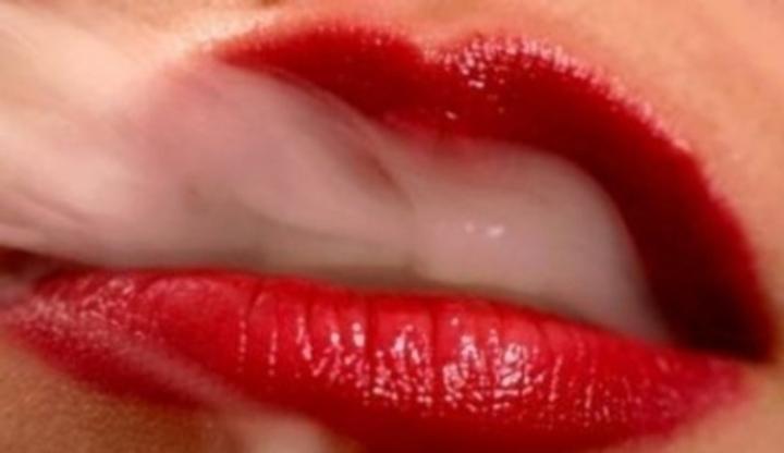 Ženy dávají kouření videa