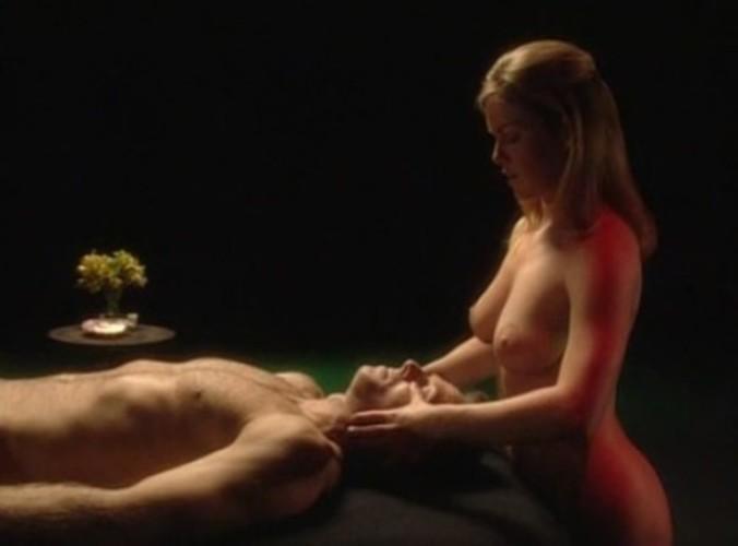 cvrlikání erotická masáž naplácat na zadek